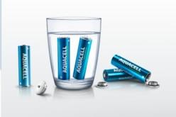 Aquacell Battery, la pila che si ricarica in acqua senza inquinare