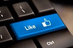 """E' caos su Facebook: """"condividi"""" si trasforma in 4 diverse versioni"""