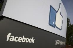 """Facebook ripristina """"condividi"""" dopo le proteste"""