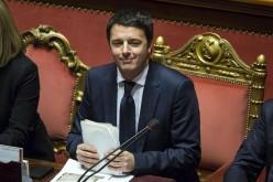 Matteo Renzi è già a lavoro e lo comunica su Twitter