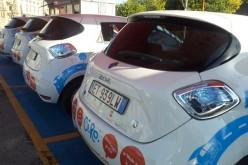 Napoli annuncia il car sharing elettrico Ci.Ro ma i tassisti protestano