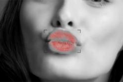 Con Google e Burberry invii un bacio digitale a chiunque nel mondo