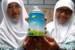 In Indonesia il deodorante si fa con il letame di mucca