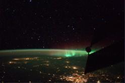 Luca Parmitano scatta una foto all'aurora boreale