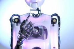 MapleSim supporta la progettazione del robot RoboThespian in grado di camminare e parlare