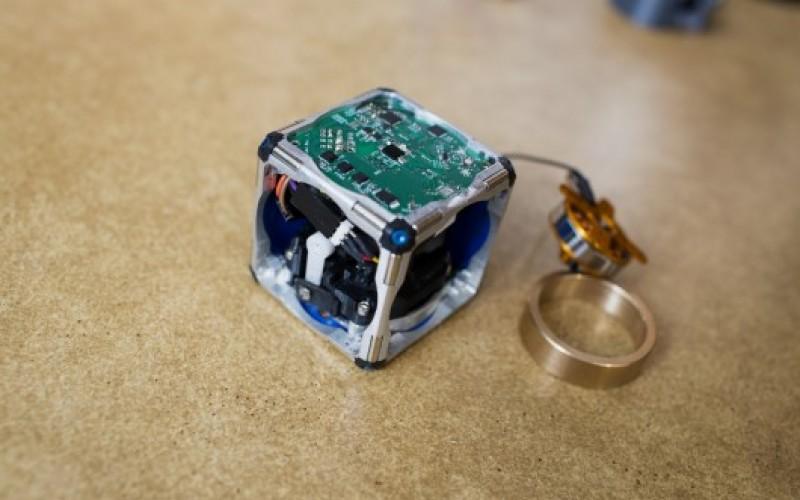 M-Blocks: il robot del MIT autoassemblante