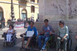 Montecitorio: continua il sit-in dei disabili per le staminali