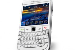 Nuovo BlackBerry Bold 9700 smartphone in white