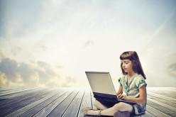 Un bambino su tre nasconde comportamenti rischiosi online ai propri genitori