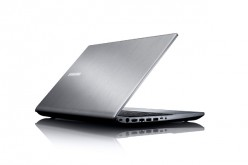 Samsung Serie 7 Chronos: l'amore ai tempi dell'hi-tech