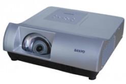 SANYO: nuovo videoproiettore ultragrandangolare all'ISE 2010