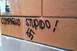 Scritte neonaziste sui muri del liceo di Roma