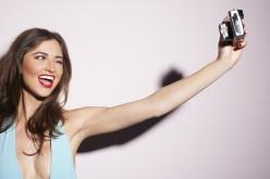 Selfite, quando gli autoscatti diventano un disturbo mentale