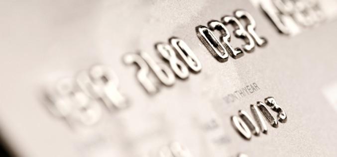 Gli italiani vogliono avere la libertà di effettuare anche i micro pagamenti con le carte