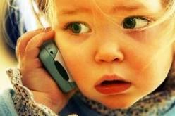 Cellulari ai bambini? Da evitare prima dei 10 anni