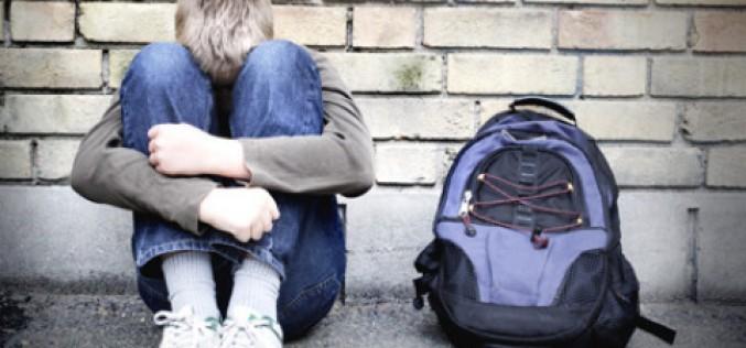 Allarme disturbi mentali, la metà inizia già a 14 anni