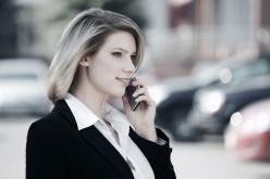 Gli italiani spendono 607 euro all'anno per il proprio cellulare