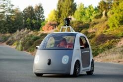 Google presenta la prima auto senza comandi che si guida da sé
