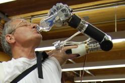 Luke, la prima protesi comandata dal cervello, ha il via libera della FDA