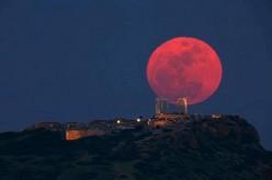 Oggi la Luna diventa rosso sangue