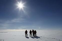 """Polo Sud: il buco dell'ozono si riduce a una """"fessura"""""""