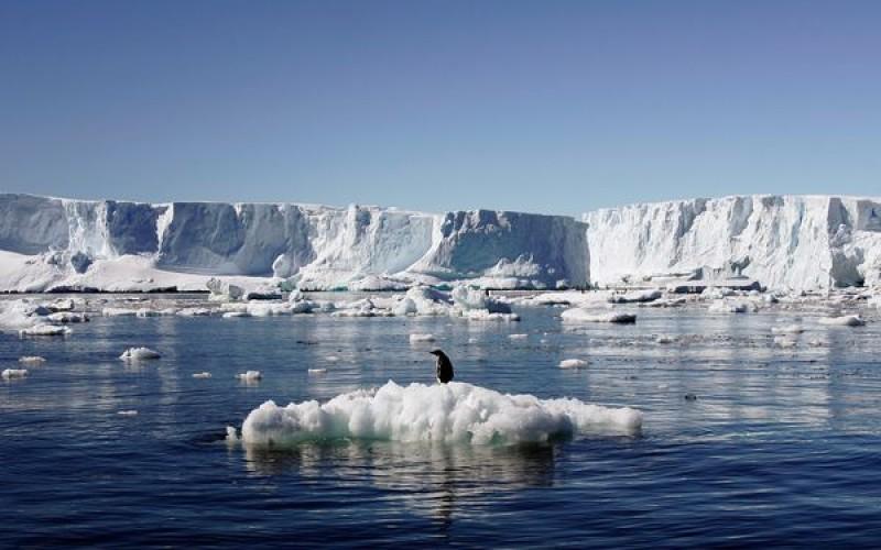 Antartide, 3.000 miliardi di tonnellate di ghiaccio in meno