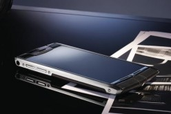 Vertu Signature Touch, vetro zaffiro e tecnologia da 11mila dollari