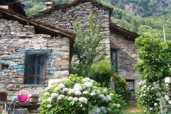 Il borgo di Calsazio in vendita su eBay