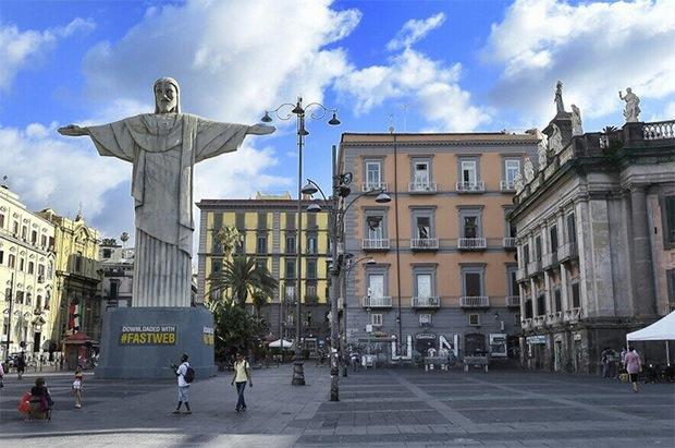 Fastweb porta il Cristo Redentore a Napoli