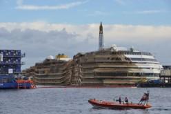 La Costa Concordia torna a galleggiare