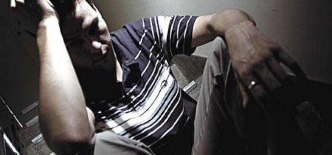 Adolescenti e insonnia da smartphone, a rischio la salute mentale