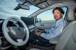 Nissan: arriva nel 2016 l'auto che si parcheggia da sola
