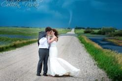Nozze incredibili in Canada: album fotografico con tornado
