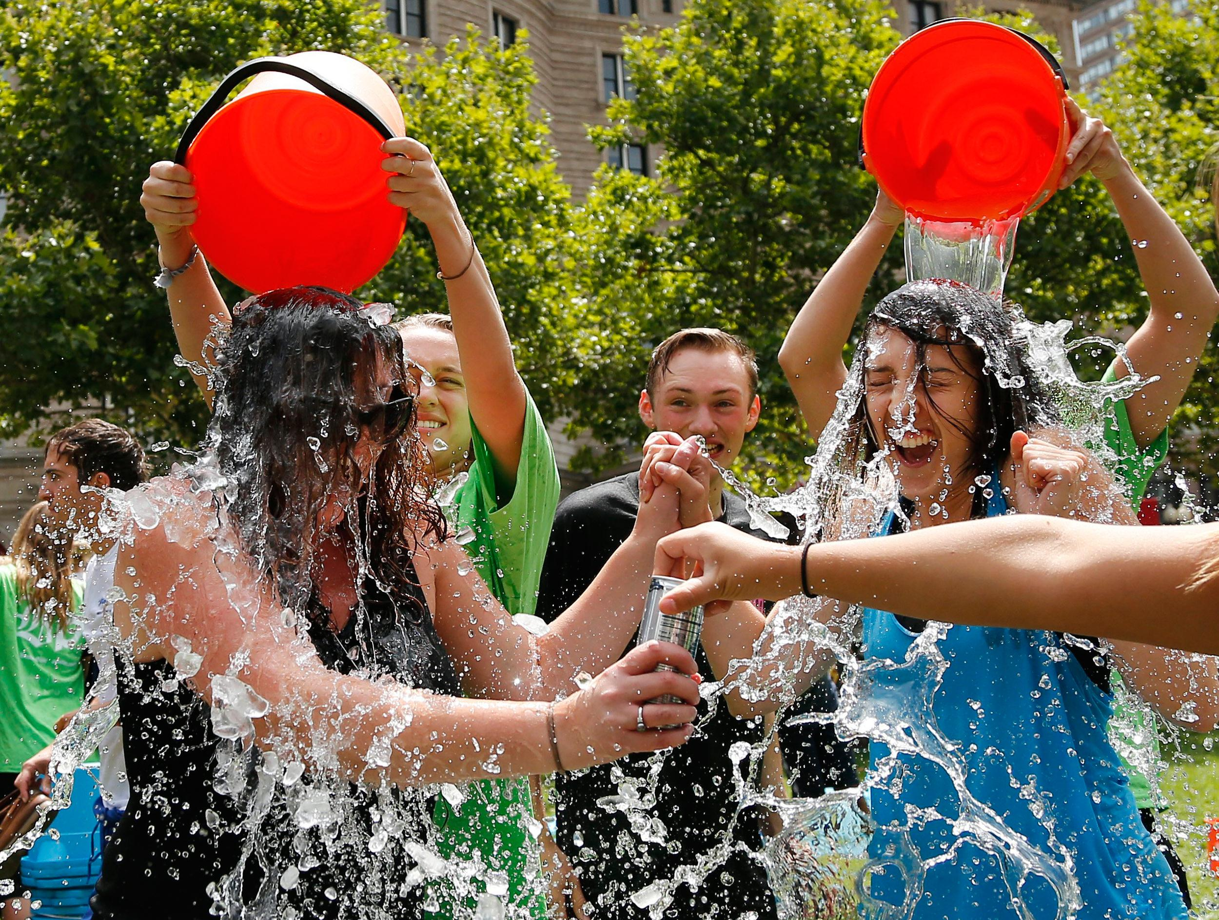 Ice Bucket Challenge: moda o beneficenza?