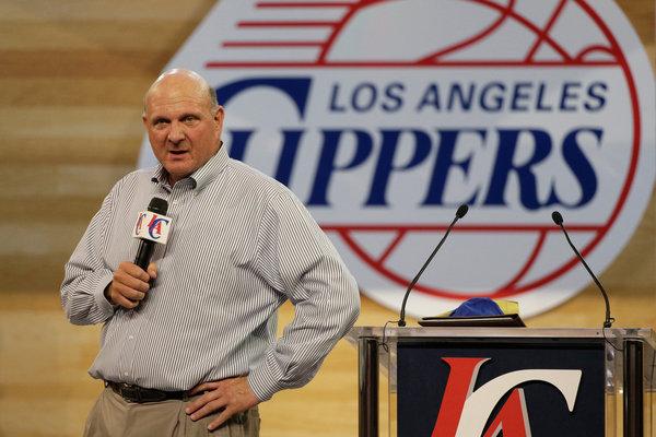 Steve Ballmer impone il Surface ai Clippers