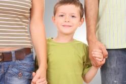 Sparisce l'obbligo del cognome paterno ai figli