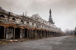 Addio a Consonno, il borgo fantasma in vendita sul web a 12 milioni di euro