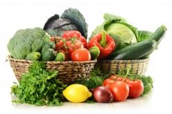 Dimagrire aumentando frutta e verdura? Da sole non bastano