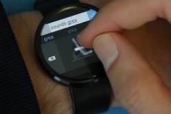 Con Analog Keyboard scrivi e disegni su smartwatch
