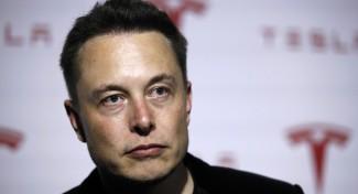 """Elon Musk: """"Apple Car? Le auto non sono smartphone"""""""
