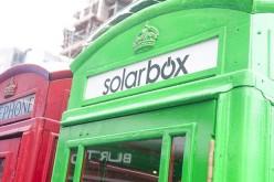 Cabine carica cellulari a Londra