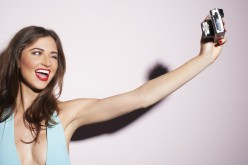 """Stop ai selfie, è tempo di """"essere Unselfie"""""""