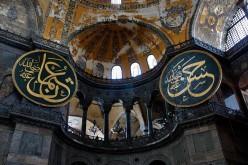 """Turchia: """"L'Islam non approva le foto sui social network"""""""