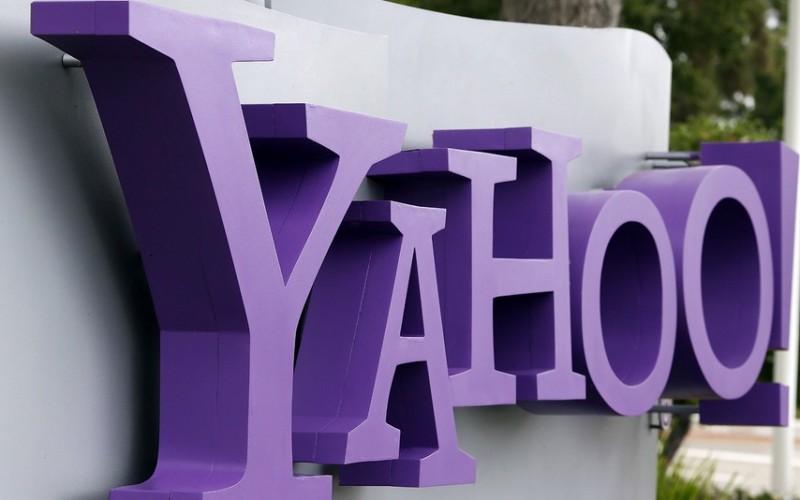 Yahoo! apre l'asta per i suoi servizi web
