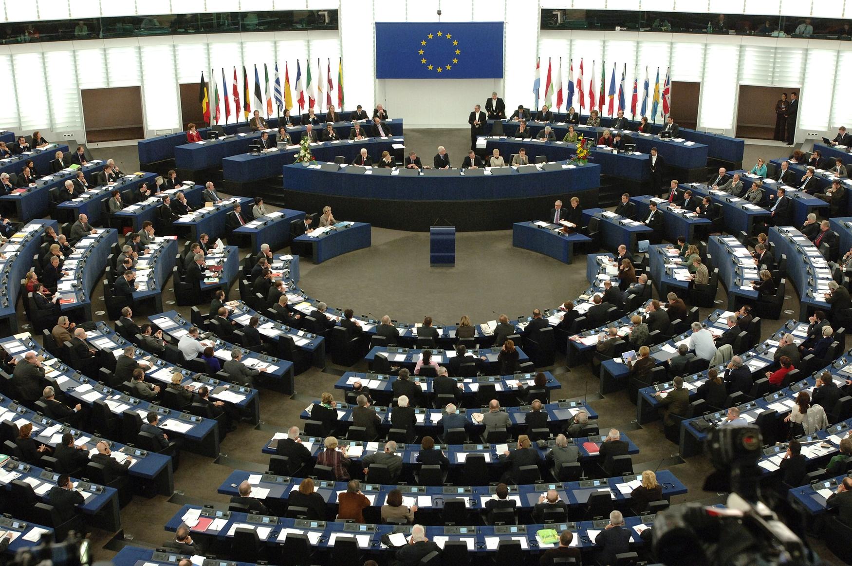 Il Parlamento Ue vota sì allo scorporo di Google