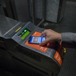 A Milano mezzi pubblici 2.0: entro Expo il biglietto si paga con lo smartphone