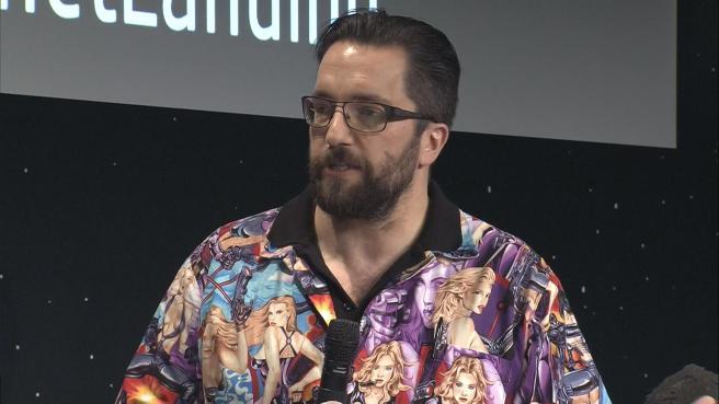 """Rosetta, il pianto e le scuse del fisico Matt Taylor per la camicia """"sessista"""""""