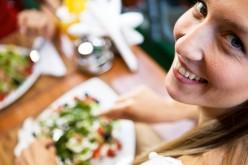 Educare i giovani a mangiare sano con un'app: il concorso di Rise2Up