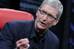 "Tim Cook: ""Google e Facebook lucrano sulla privacy"""
