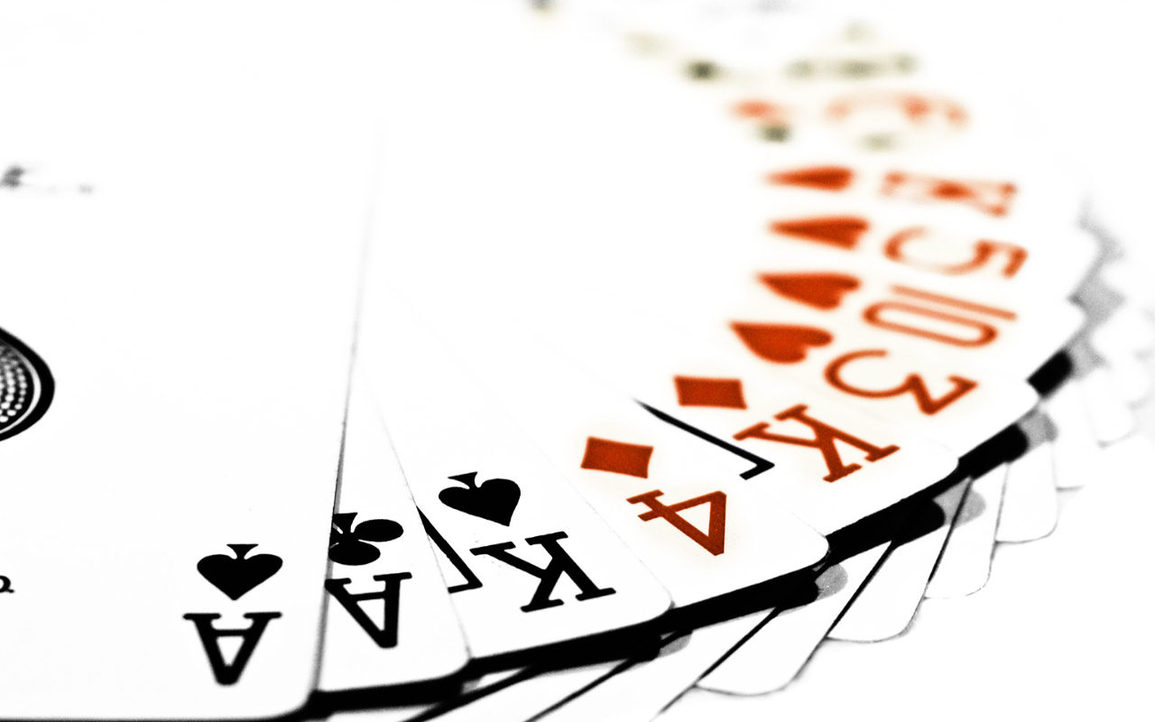 Computer batte uomo anche a poker